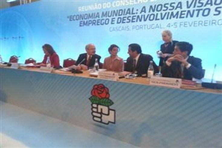 Sosyalist Enternasyonal'in Toplantısına
