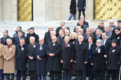 Kılıçdaroğlu, eski Devlet Bakanı Lütfü Doğan'ın cenaze törenine katıldı