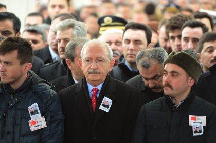 Kılıçdaroğlu şehit astsubay Musa Özalkan'ın cenaze törenine katıldı