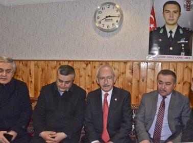 Kılıçdaroğlu'ndan Şehit Oğuz Kaan Usta'nın ailesine taziye ziyareti