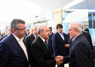 Kılıçdaroğlu, Mardin Milletvekili Orhan Miroğlu'na taziye ziyaretinde bulundu
