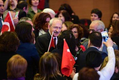 Kılıçdaroğlu, 8 Mart'ta kadın muhtarlarla bir araya geldi