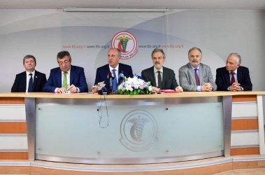 Muharrem İnce Türk Tabipler Birliği'ni ziyaret etti