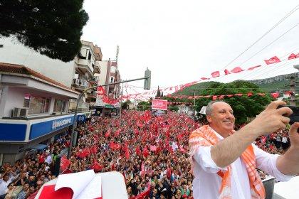 Muharrem İnce, İzmir'in Kemalpaşa ilçesinde halkla bir araya geldi