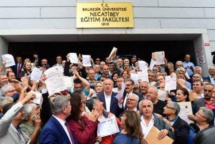 Muharrem İnce, mezunu olduğu Balıkesir Üniversitesi Necatibey Eğitim Fakültesi'ni ziyaret etti
