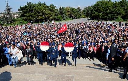 CHP heyetinden Anıtkabir'e '95. yıl' ziyareti