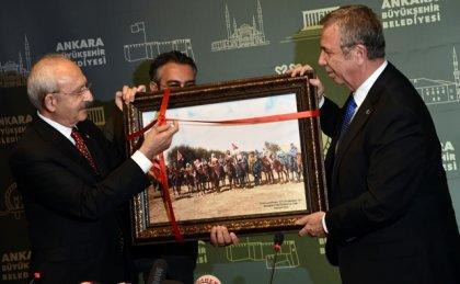 CHP Genel Başkanı Kemal Kılıçdaroğlu, Ankara Büyükşehir Belediye Başkanı Mansur Yavaş'ı ziyaret etti