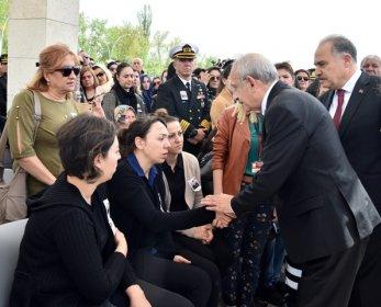 Kılıçdaroğlu Şehit Piyade Yüzbaşı Celaleddin Özdemir'in cenaze törenine katıldı