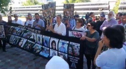 Çorlu tren faciası mağduru aileler, adalet için Muratlı Tren İstasyonu'ndaydı: '25 kişinin kanı yerde kalmayacak'