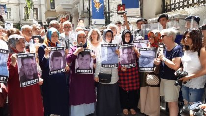 Cumartesi Anneleri 745. haftada şubat ayında kaçırılan 6 kişinin akıbetini sormak için toplandı