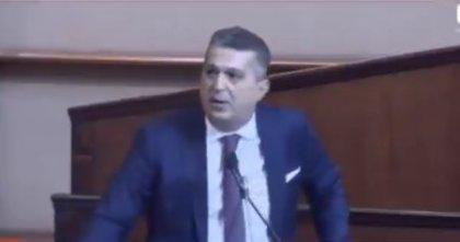 AKP'li meclis üyesi 'İsraf yapanın Allah belasını versin' dedi, CHP ve İYİ Parti sıralarından 'Amin' sesi yükseldi