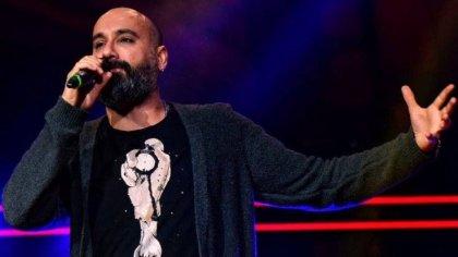 Polis, 'Kürtçe şarkı söylemek yasak' diyerek şarkıcı Dodan'ın elinden mikrofonunu aldı!