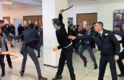 Ankara'da sempozyuma girmek isteyen öğrencilere özel güvenlik terörü
