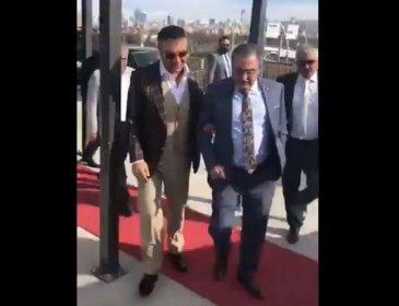 Yargı kararını uygulayan Mansur Yavaş'ın rüşvet istediğini iddia eden Sinan Aygün Sedat Peker'le kol kola