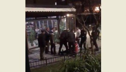 'Bekçiler, üzerinin aranmasına izin vermeyen kişiyi darp etti' iddiası