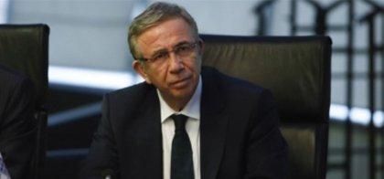Mansur Yavaş'tan atık kâğıt işçisi Mehmet Göçer'e: Her zaman yanınızda olmaya devam edeceğiz