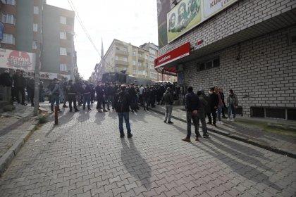 İbrahim Gökçek'in cenazesi için toplananlara polis müdahalesi: Gözaltılar var