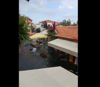 İzmir'de 6.6 büyüklüğünde deprem: Binalar yıkıldı 1