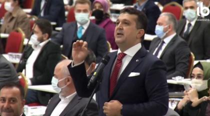 İmamoğlu'nu eleştirmeye çalışan AKP'li meclis üyesi aldığı yanıtlarla alay konusu oldu 2