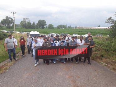 Hendek'teki katliamda hayatını kaybedenler fabrika önünde anıldı