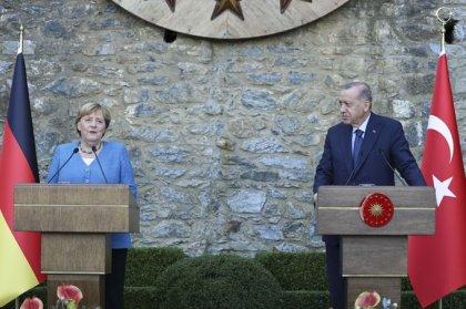 Erdoğan ile Merkel arasında geçen garip diyalog