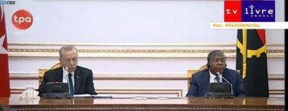 Angola Cumhurbaşkanı ile görüşen Erdoğan yine uyuyakaldı