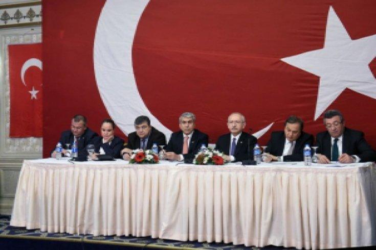 CHP lideri, dernek temsilcileriyle bir araya geldi