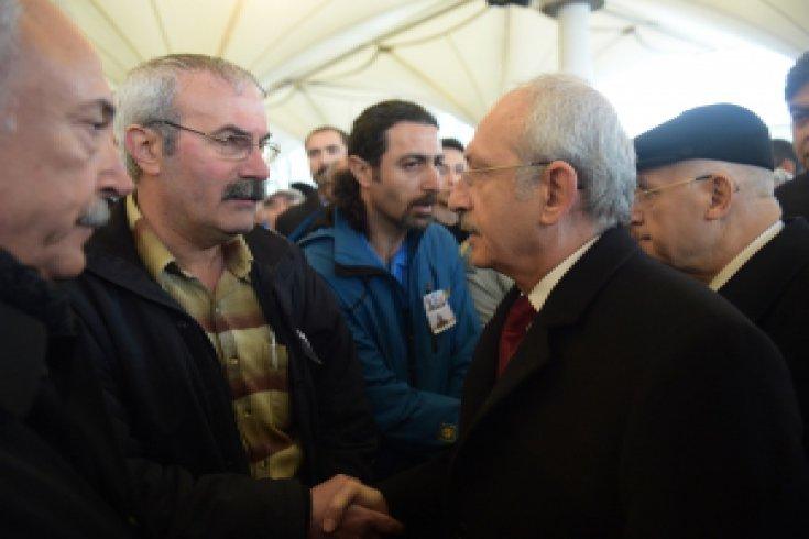 CHP Lideri Kılıçdaroğlu, bombalı saldırada hayatını kaybedenlerin cenazesine katıldı