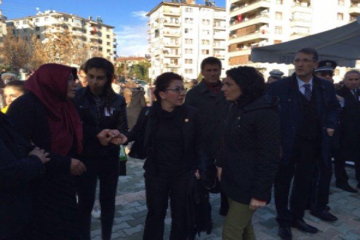 CHP'li vekiller Diyarbakır ve Elazığ'da cenazelere katıldı