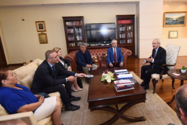 DİSK, TTB, KESK, TMMOB Kılıçdaroğlu'nu ziyaret etti