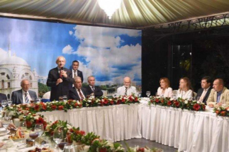 Kılıçdaroğlu, İstanbul'da VİP iftara katıldı