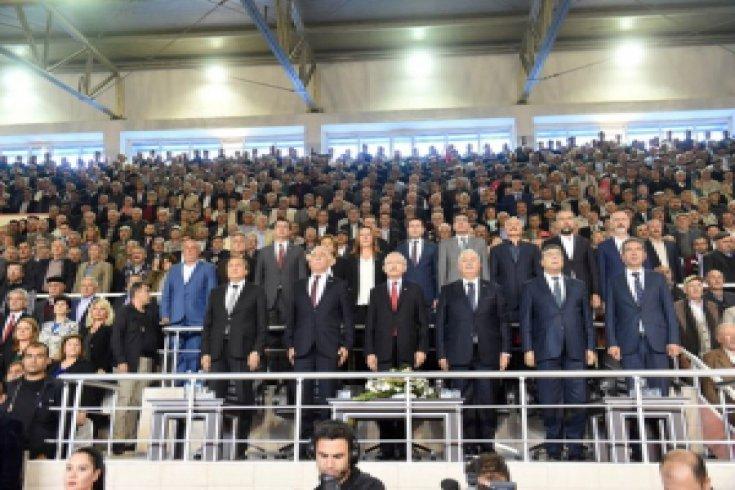 Kılıçdaroğlu, Şeker Çalıştayı'nda üreticilerle bir araya geldi