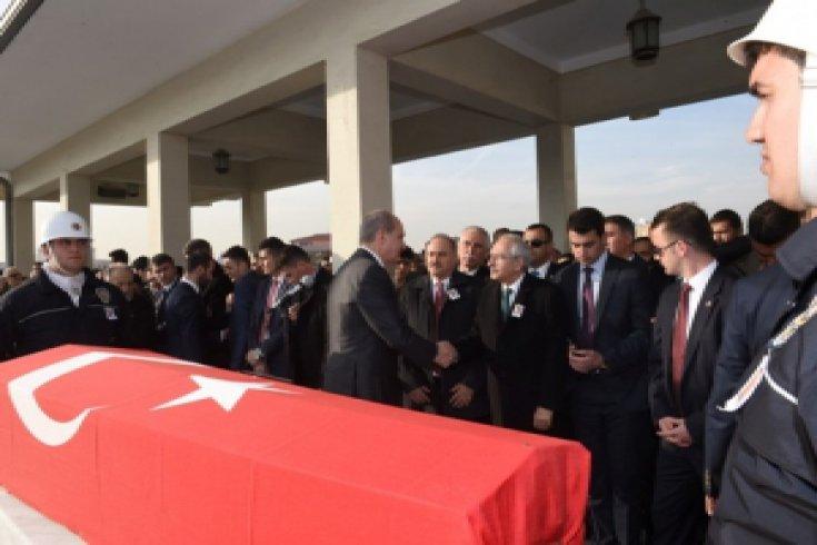 Kılıçdaroğlu, şehidin cenazesine katıldı