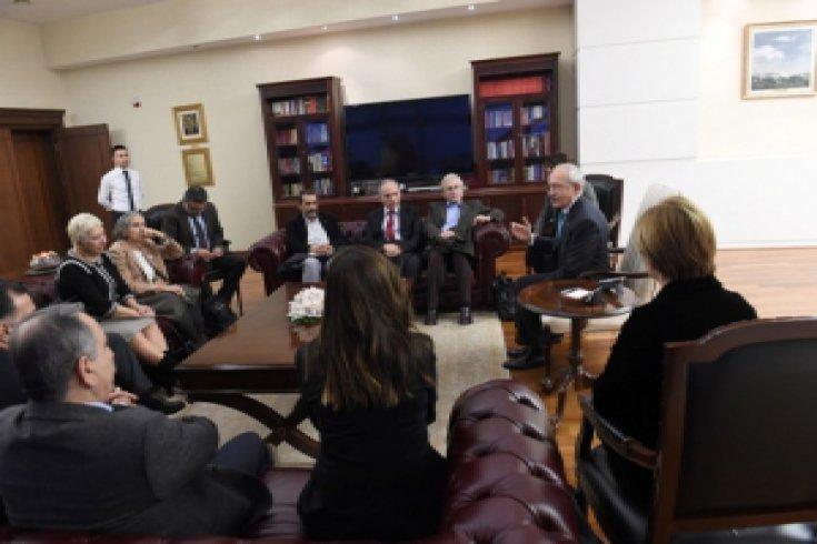 Kılıçdaroğlu, 'Barış Savunucuları' ile görüştü