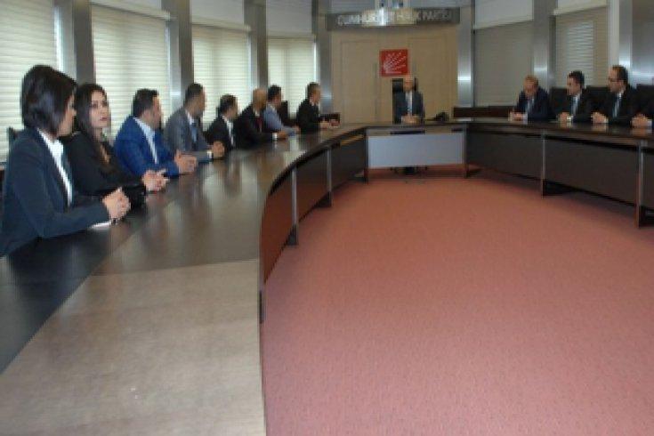 Kılıçdaroğlu, Güney ve Güneydoğu Genç İşadamları Federasyonu yöneticilerinden oluşan heyetle buluştu