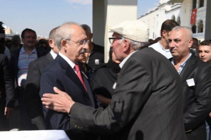 Kılıçdaroğlu, Himmet Şahin'in cenaze törenine katıldı