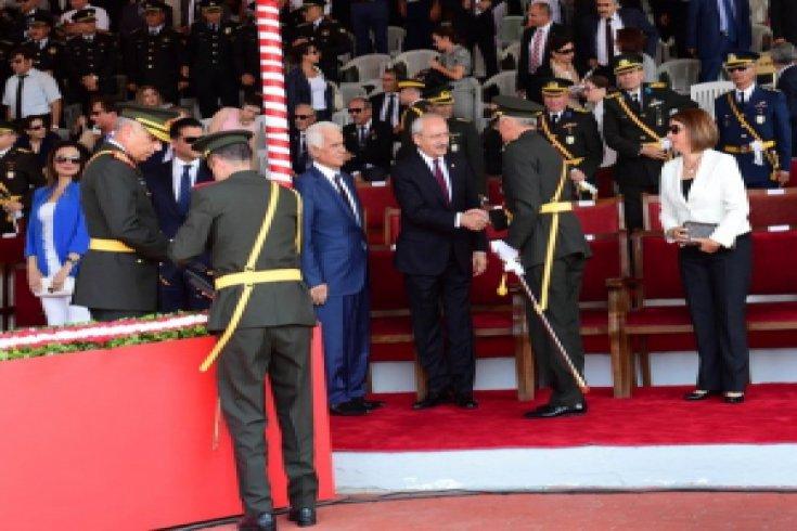 Kılıçdaroğlu, KKTC'de 'Barış Harekatı' törenlerine katıldı