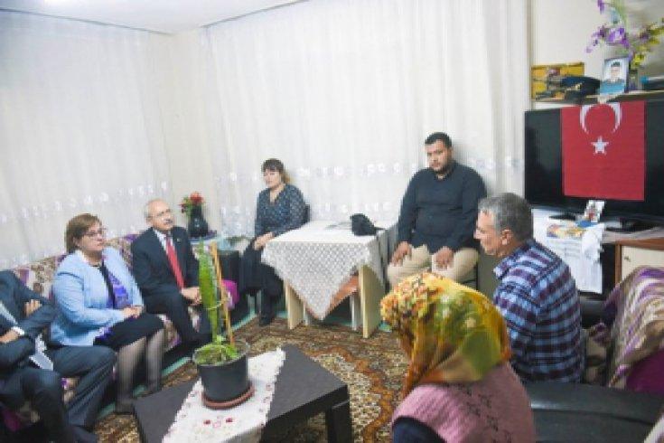 Kılıçdaroğlu, linç edilen Harp Okulu öğrencisinin ailesini ziyaret etti