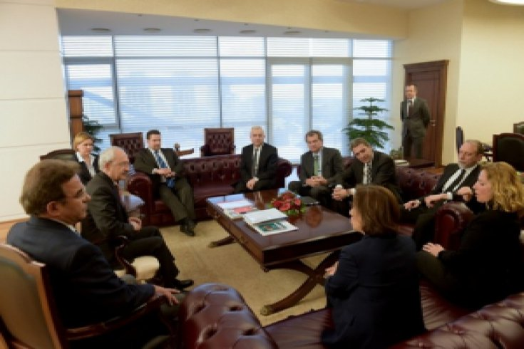 Kılıçdaroğlu, TÜSİAD Başkanı ve Yönetim Kurulu ile görüştü