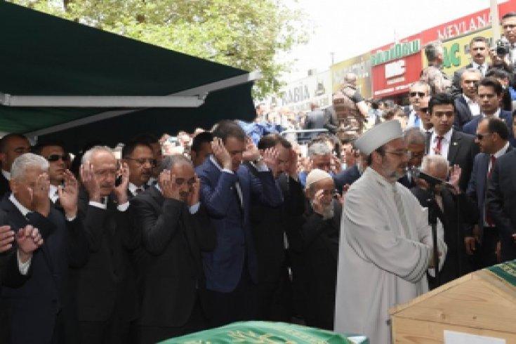 Kılıçdaroğlu, 11. Cumhurbaşkanı Abdullah Gül'ün babası için düzenlenen cenaze törenine katıldı