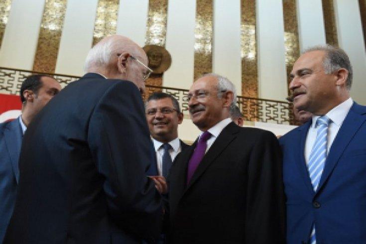 Kılıçdaroğlu, '15 Temmuz' sergisine katıldı