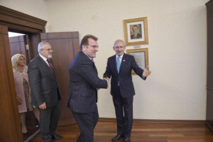 Kılıçdaroğlu, Adalet Partisi Genel Başkanı Vecdet Öz'ü kabul etti