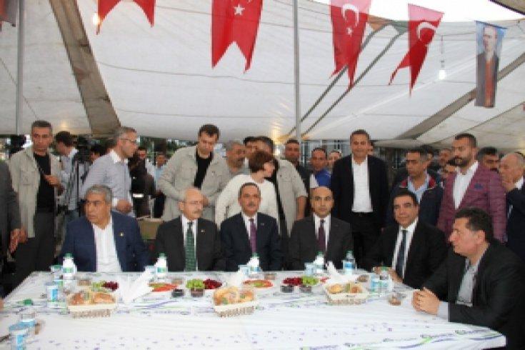 Kılıçdaroğlu, Bakırköy'de pazarcılarla iftar açtı