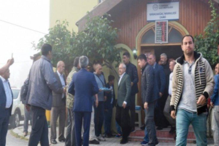 Kılıçdaroğlu bayram namazını Bolu'nun Karaağaç Köyü'nde kıldı