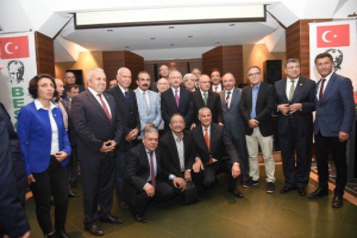 Kılıçdaroğlu, BESOB'un düzenlediği yemekli toplantıya katıldı