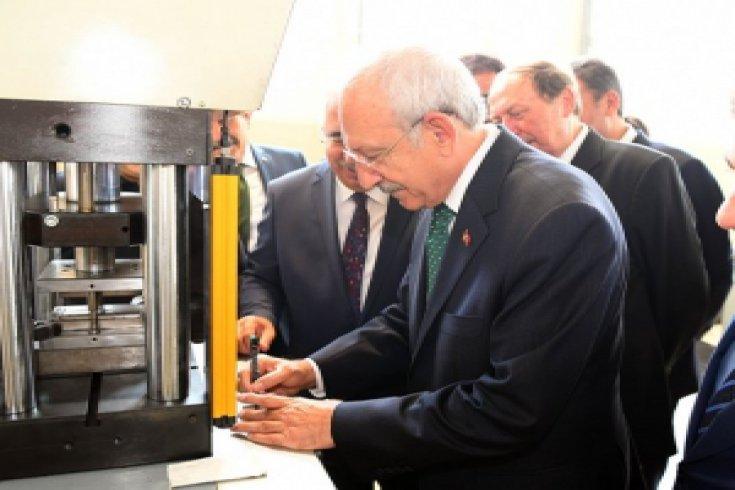 Kılıçdaroğlu, Çorum'da Ahlatçı Metal rafinerisini ziyaret etti