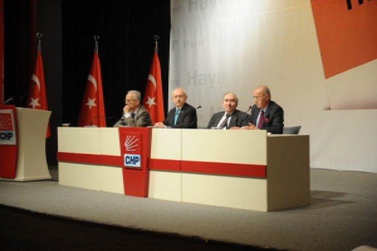 Kılıçdaroğlu, eski genel başkanlar, eski milletvekilleri, eski il başkanları ve eski parti yöneticileriyle  bir araya geldi
