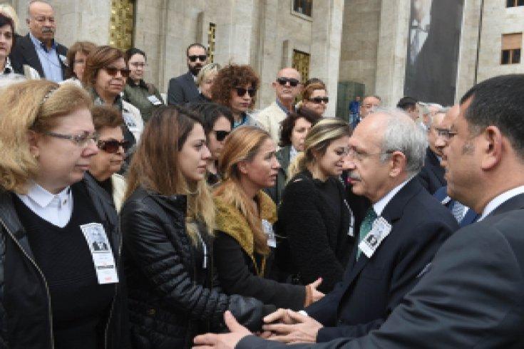 Kılıçdaroğlu, eski vekil Ayhan Fırat'ın cenaze törenine katıldı