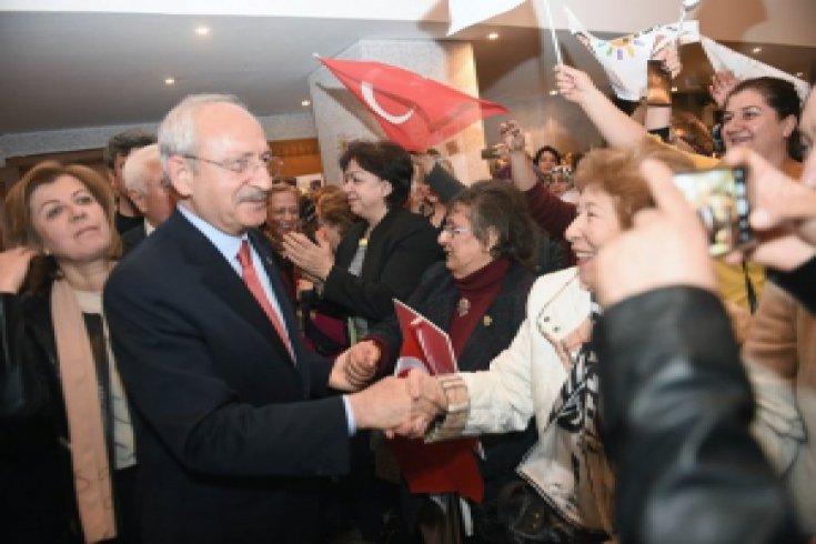 Kılıçdaroğlu, Gaziantep'te kadın örgütlerinin temsilcileriyle buluştu