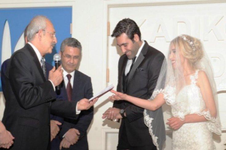 Kılıçdaroğlu, Gezi'de gözünü kaybeden Hülya Arslan'ın nikah şahitliğini yaptı